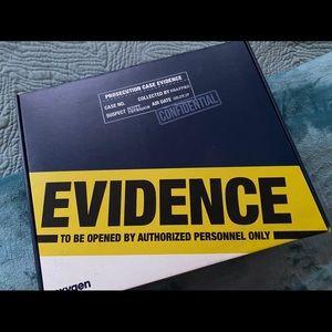 Snapped x oxygen Scott Peterson crime scene kit